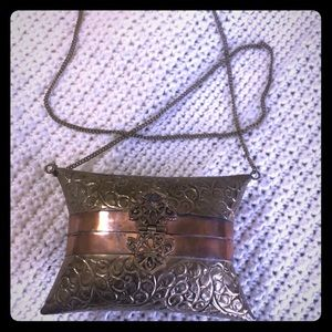 Handbags - Vintage Brass Metal Hard Purse with chain handle